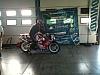 foto motocicletta nel box